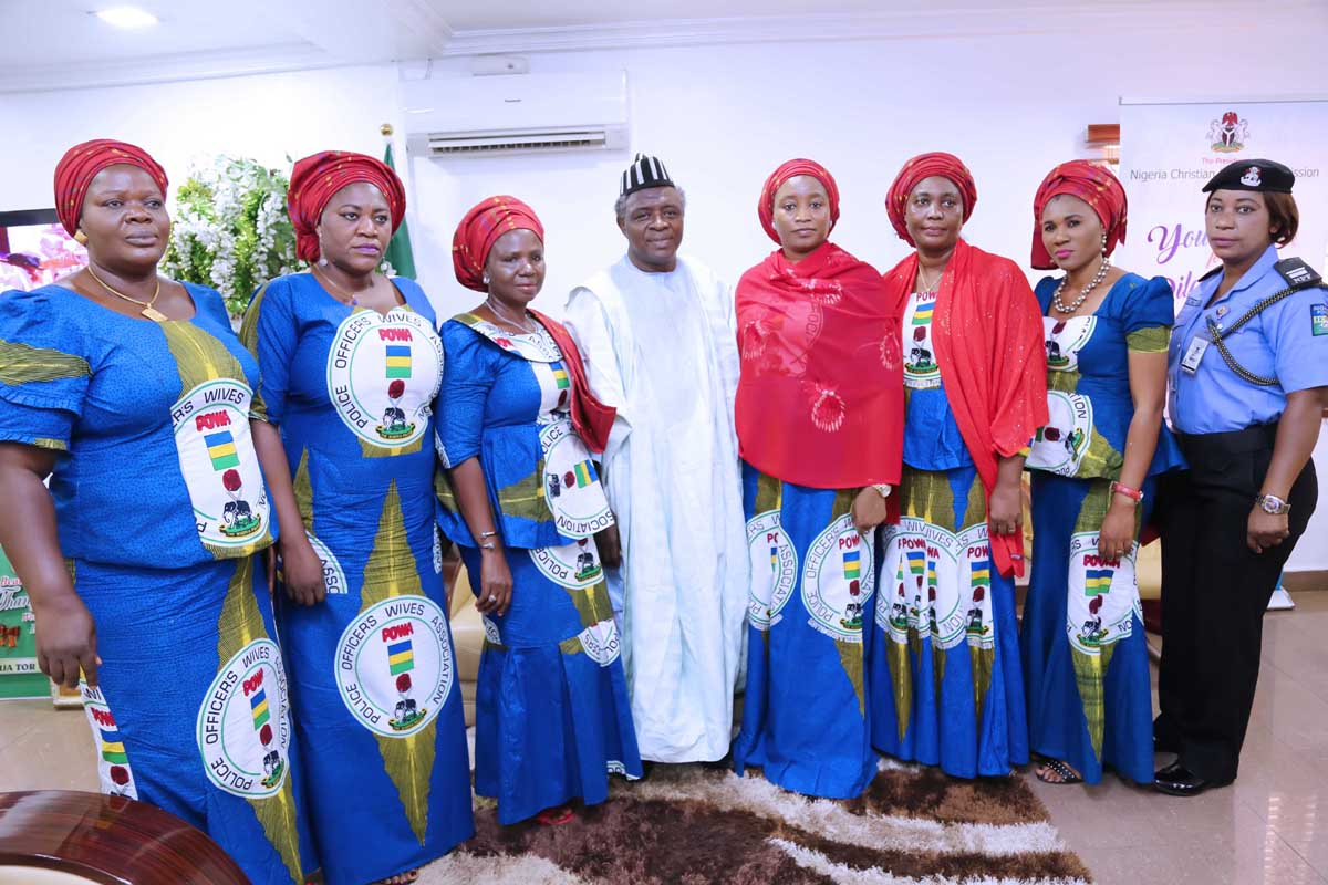 8-POLICE-OFFICERS-WIFE-ASSOCIATION-POWA-VISIT-ES-NCPC